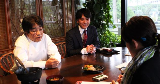 奄美の里 レストラン「花ん華」料理長と常務取締役 藤さん