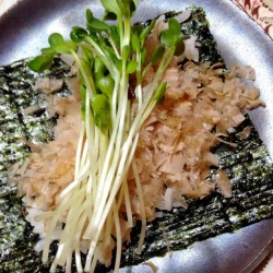 鰹節の手巻き寿司